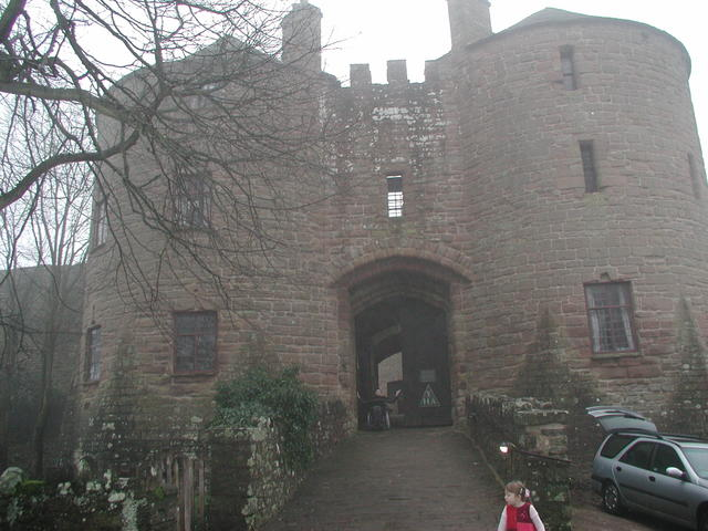 Saying goodbye to King John's hunting lodge - 24/12/06